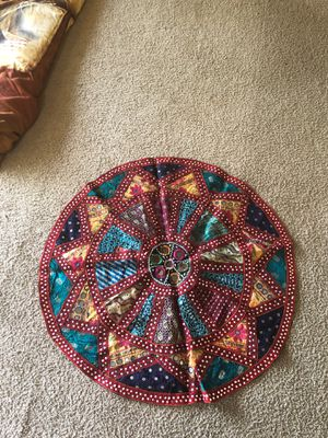 Decorative small area rug home decor wall decor mirrors and stones very beautiful for 20$ only for Sale in Bellevue, WA