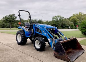 2OO3*New Holland//TC18 Compact Tractor for Sale in Los Angeles, CA