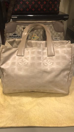Chanel bag authentic Chanel monogram purse for Sale in Addison, IL