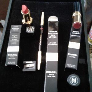 3 Chanel ,lip Liner With Brush TAWNY BOIS ROSE,FACEBRIGHTSROUSSE RUSSET,ROUGE LIPSTICK CAYENNE CORAL for Sale in Woodbridge Township, NJ