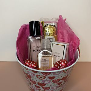 Valentine's Gift Set ♥️ for Sale in Perris, CA