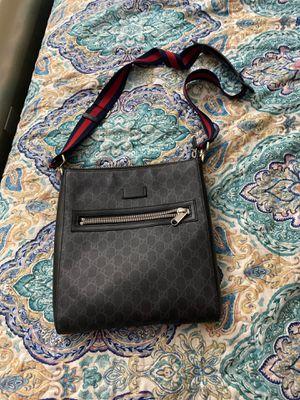 Gucci messenger bag for Sale in Glenarden, MD