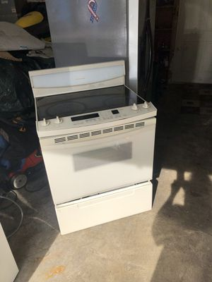 "30"" Kitchenaid smoothtop self clean electric stove/oven for Sale in Lake Tapps, WA"
