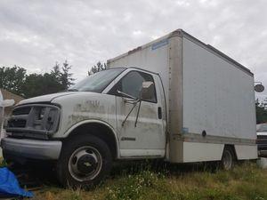 2000 Chevy Box Truck 3500 Express Cargo Truck for Sale in Bellevue, WA