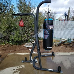 Dual Everlast Punching Bag Stand for Sale in Hesperia, CA
