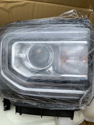 GMC Sierra 1500 headlight replacement for Sale in Escondido, CA