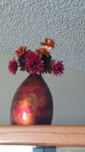 Ceramic glass vase with artificial flower multicolored for Sale in Las Vegas, NV