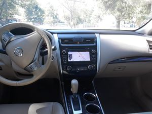 Vendo Nissan Altima for Sale in Hillcrest Heights, MD