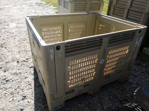 Macrobin 34 storage bins for Sale in Dothan, AL