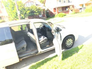 2007 dodge mini van sxt for Sale in Cleveland, OH