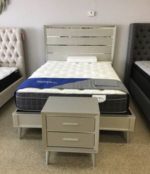 New Silver Mirror Mid Century Modern Bed Frame : Mattress Set Sold Separately : Box Spring Required : Bedroom Set Available for Sale in Walnut Creek, CA