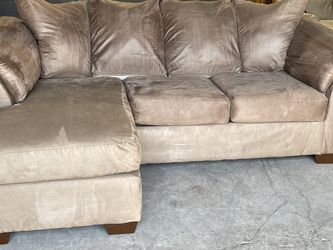 SECTIONAL SOFA (free Delivery ) for Sale in Oregon City,  OR