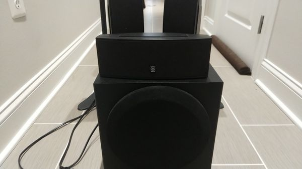 Yamaha 5.1 Surround Sound Speakers, Subwoofer and Stands