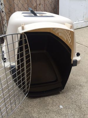 Small dog kennel for Sale in Elmwood Park, IL