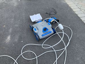 Pool cleaner for above ground pool $260. New for Sale in Spotswood, NJ