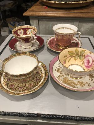 Fine bone China 13 cups and saucers for Sale in Orchard Lake Village, MI