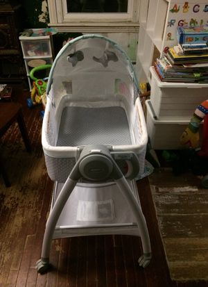 Baby bassinet and changing table for Sale in Phoenixville, PA