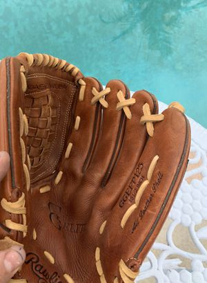 SOFTBALL 🥎 🥎🥎🥎GLOVE 12 1/2 ONLY CONTACT ME WHEN READY TO BUY 40 CASH for Sale in Whittier, CA