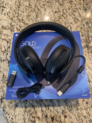 PlayStation 4 Gold Wireless Headset for Sale in Moreno Valley, CA