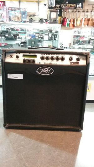 "PEAVEY 100W AMP 12"" COMBO EFFECT for Sale in Graham, WA"