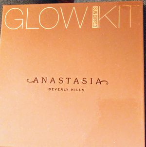 Anastasia Glow Kit for Sale in Oakley, CA