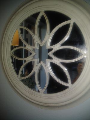 "24"" round decorative mirror for Sale in Apopka, FL"