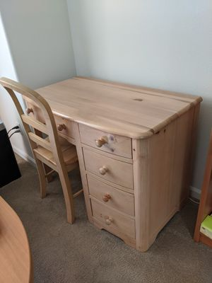 3 piece wood bedroom set for Sale in Seattle, WA