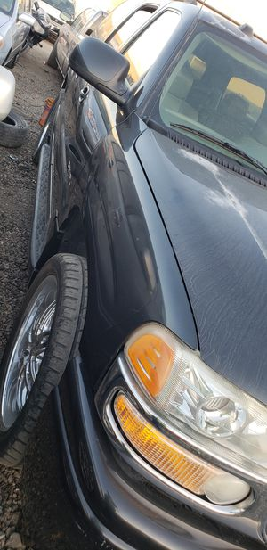 Gmcr Yukon 2003 for sale for part only for Sale in Hayward, CA