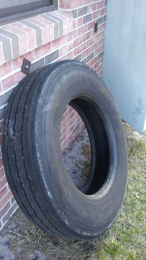 Semi-truck tire for Sale in Avon Park, FL