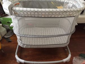 Ingenuity bassinet 0-12 months (adjustable) for Sale in Richmond, VA