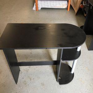 Small black Desk for Sale in Hemet, CA