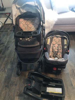Graco Click Connect - Car Seat, Stroller, Extra Car Seat Connector for Sale in Riverside, CA