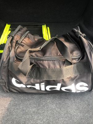 Medium Size Adidas Duffle Bag for Sale in San Jose, CA