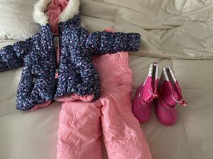 Toddler snowsuit and snow boots for Sale in Gig Harbor, WA