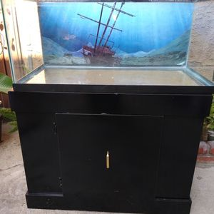 55 GALLON FISH TANK for Sale in Long Beach, CA