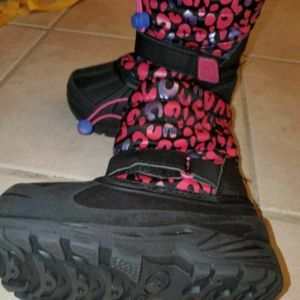USED Toddlers snow/rain boots size 9 for Sale in Paramount, CA