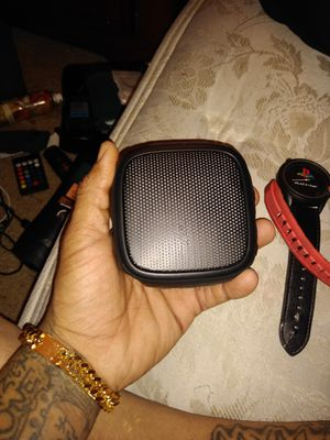 Bluetooth speaker for Sale in Columbus, OH