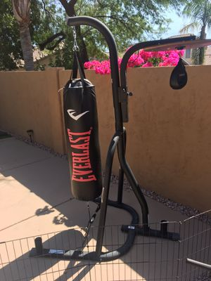 Everlast boxing bag and stand with speed bag for Sale in Phoenix, AZ