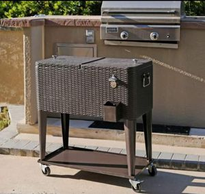 NEW Outdoor Patio 80 QT Roller Cooler for Sale in Whittier, CA