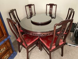 Lazy Susan high end table like new condition original price is $4,650 I'm asking for $980 for Sale in Las Vegas, NV
