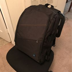 Camera Backpack with Rain Cover for Sale in Sterling,  VA