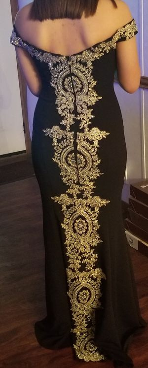 Prom dress size 5 for Sale in Del Valle, TX