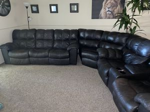 Sectional couch for sale for Sale in Fresno, CA