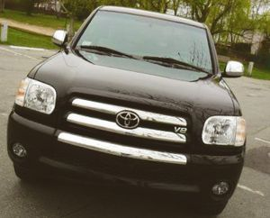 Just today 2O06 Toyota Tundra SR-5 4WD Wheelsss/Stored garage for Sale in Tulsa, OK