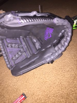 kids softball glove for Sale in Edmond, OK