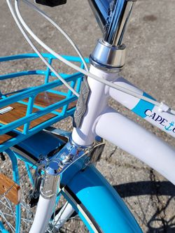 BEACH CRUISER 26. CAPE COD MODEL In EXCELLENT CONDITION. VERY SMOOTH AND SHINEY..AVAILABLE...FIRM for Sale in Santa Ana,  CA
