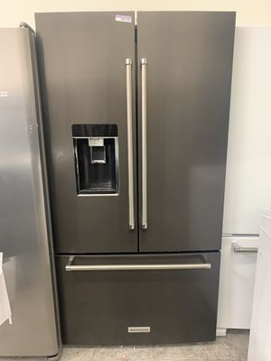 Kitchenaid counter depth refrigerator for Sale in Garden Grove, CA