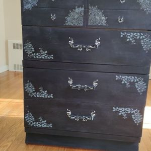Four Drawer Navy Blue for Sale in Hamden, CT