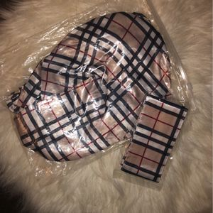 Burberry Bonnet And Headband for Sale in Charleston, SC