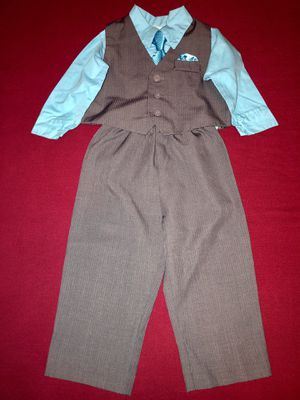 Free Dress suit for 18 month old like new condition. for Sale in Stone Mountain, GA